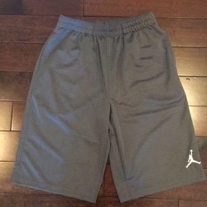 Boys sz L Jordan Gray Basketball shorts